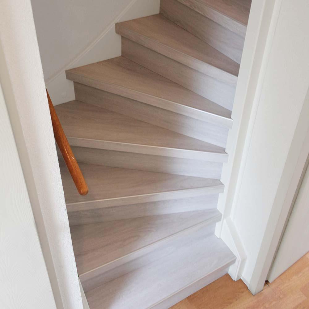 PVC op trap uitgevoerd in de kleur Gornergrat