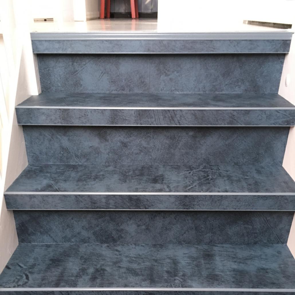 leren trapbekleding uitgevoerd in de kleur Zaffiro