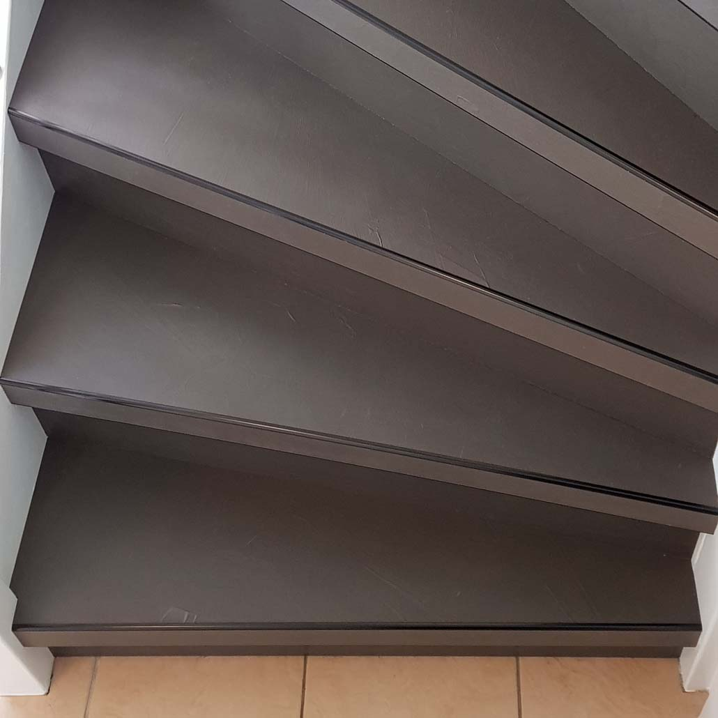 Traptreden beton traprenovatie in de kleur Donkergrijs