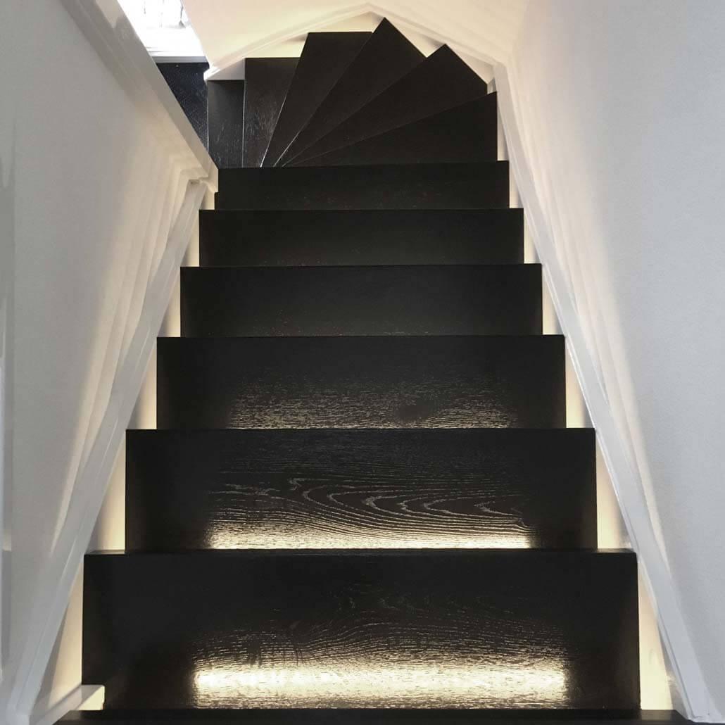 boven aanzicht Paintwood zwart wit trap